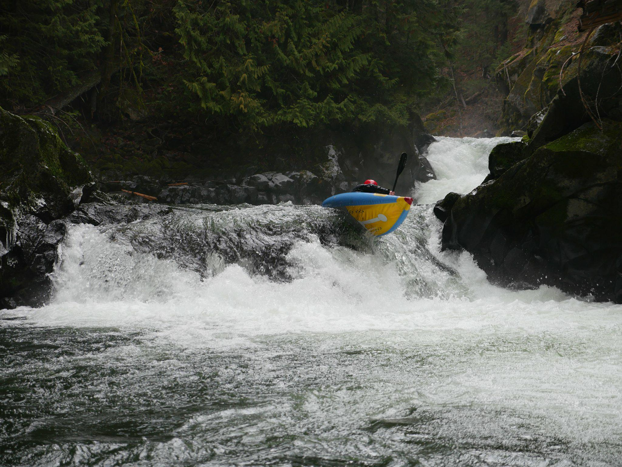 Stilletto Inflatable Kayak on the Green Truss section of the White Salmon River