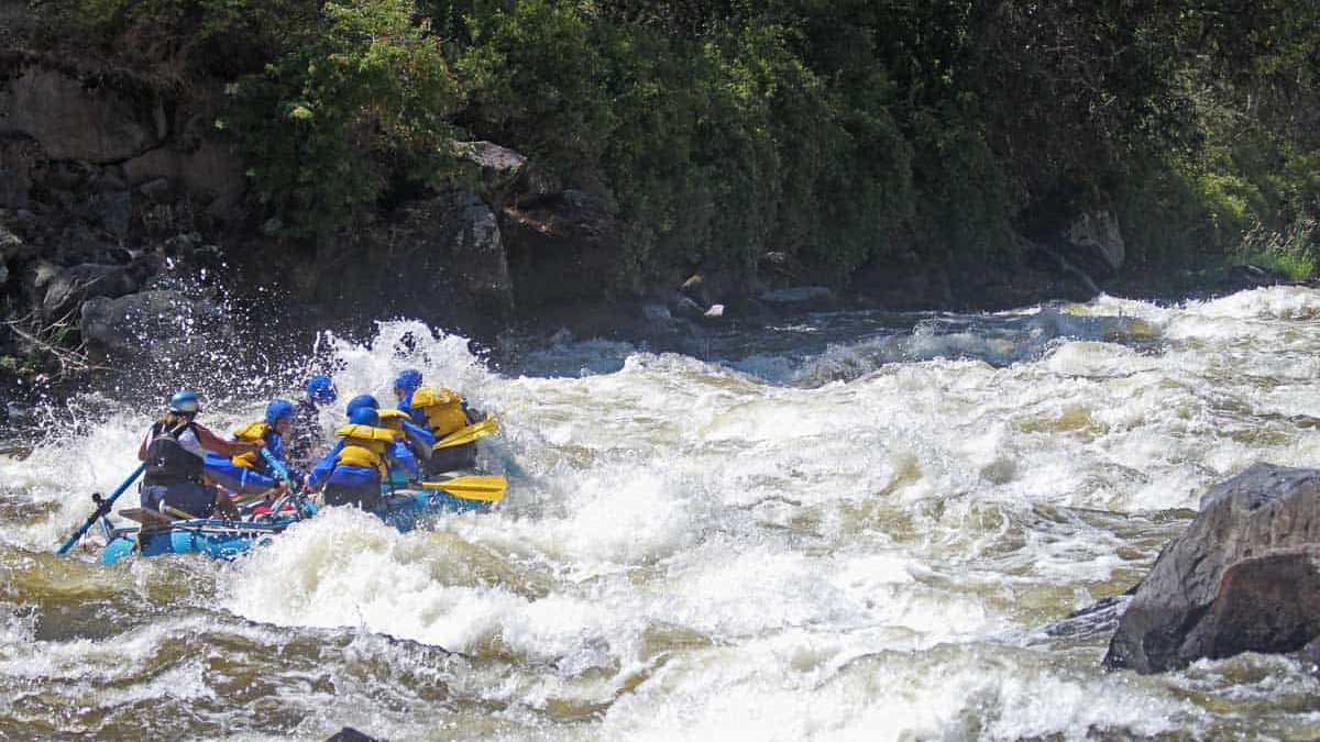 Caldera Rapid on the Upper Klamath River | Photo Courtesy Momentum River Expeditions